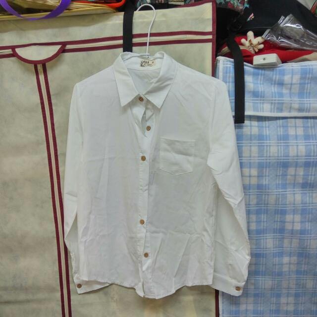 韓系 百搭純白色木扣子襯衫 白色長袖襯衫 M號  #運費我來出 #我的女裝可超取