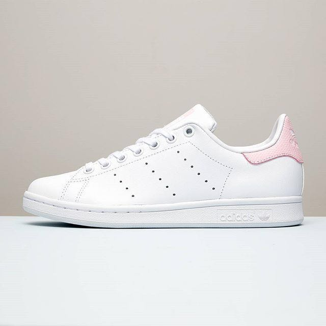 Adidas Stan Smith Snakeskin Baby Pink (SUPER RARE), Women's Fashion, Shoes on Carousell