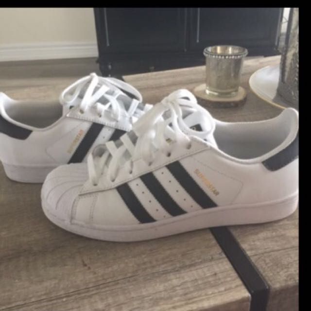 Adidas superstar shoes size 8.5