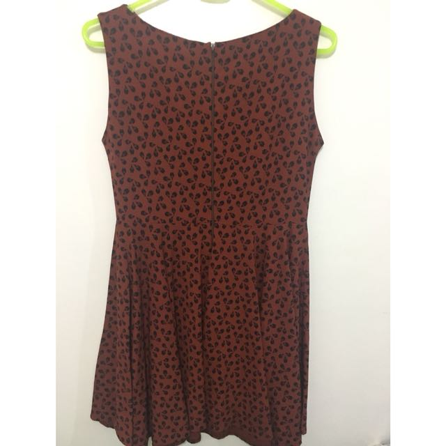 A-line dress in brown and black