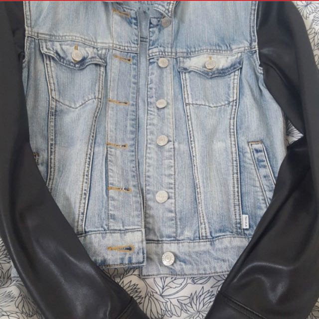 Aritzia denim and faux leather jacket Small