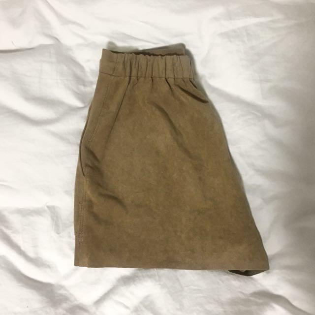 ARITZIA suede camel shorts