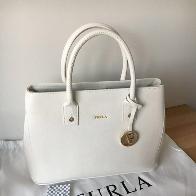 Brand New Furla Linda Tote     *** Christmas Special  ***  Buy any 2 handbags & Get $100 off the total purchase price