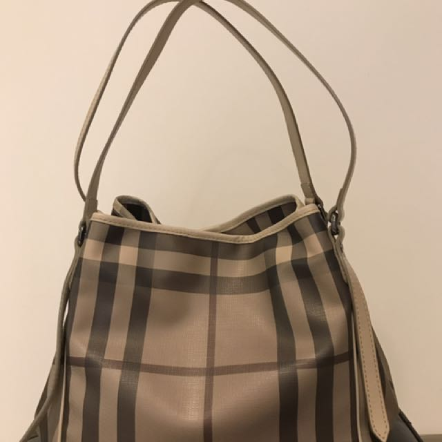 b2d3d3acefd Burberry Tote Bag, Luxury, Bags & Wallets on Carousell