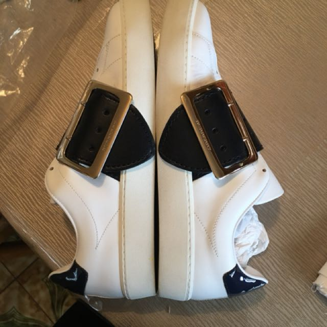 BURBERRY WHITE BUCKLE SNEAKERS