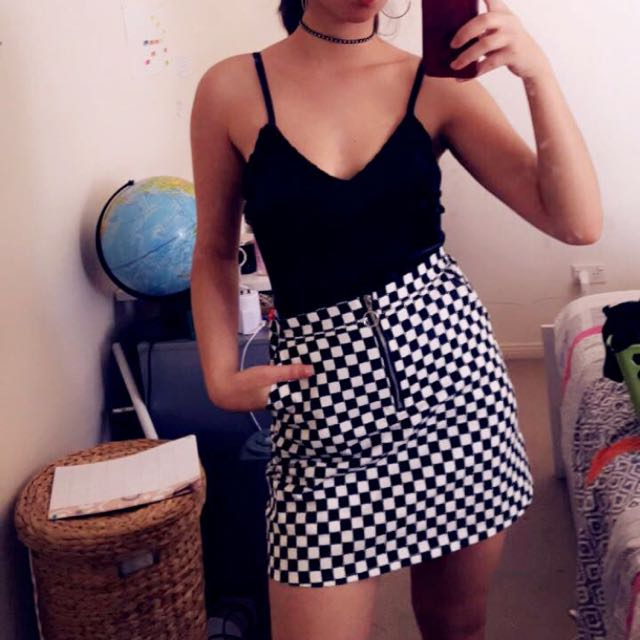 checkered skirt black and white