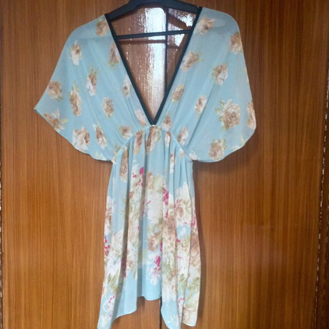 Chiffon Cover Up (Forever 21, Zara, Topshop, H&M)