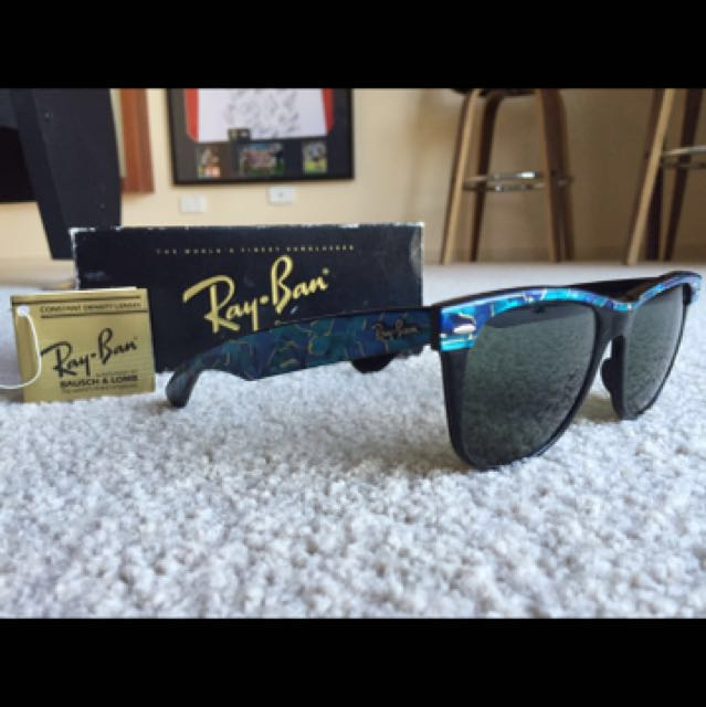 d2e8ab603d84 Genuine Vintage Ray Ban Wayfarer II, Women's Fashion, Accessories on  Carousell
