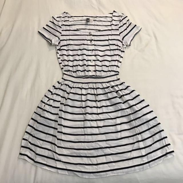 H&M 黑白條紋洋裝 #幫你省運費 #我的女裝可超取