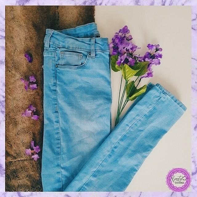 H&M Skinny Jeans (Medium)