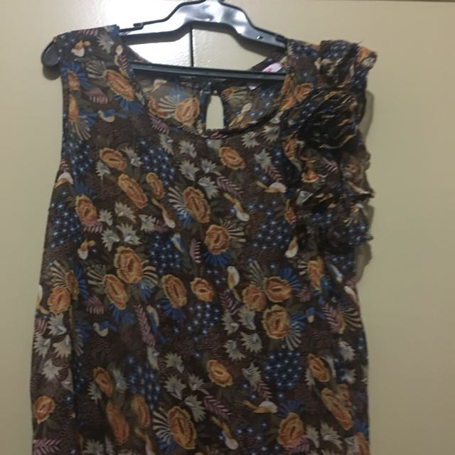 Jellybean see through blouse ALL ITEMS MARKED * FOR 30 PESOS. 5 OR MORE 25 PESOS