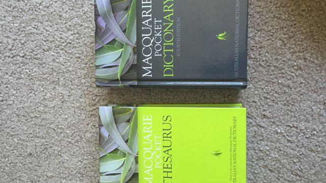 Macquarie pocket dictionary and thesaurus set