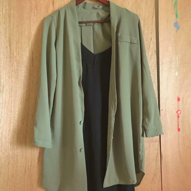 Mooncat貓咪曬月亮長版灰綠色風衣西裝休閒外套