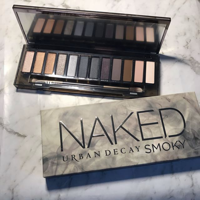 New & Authentic Naked Smoky Palette