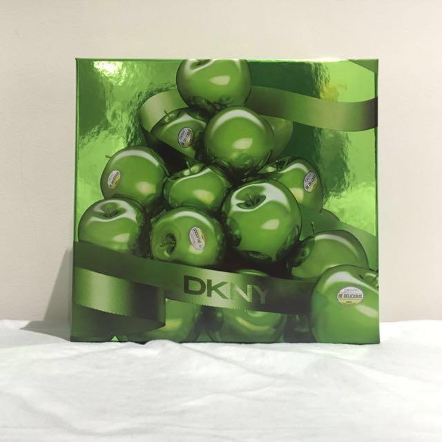 New DKNY perfume + lotion set