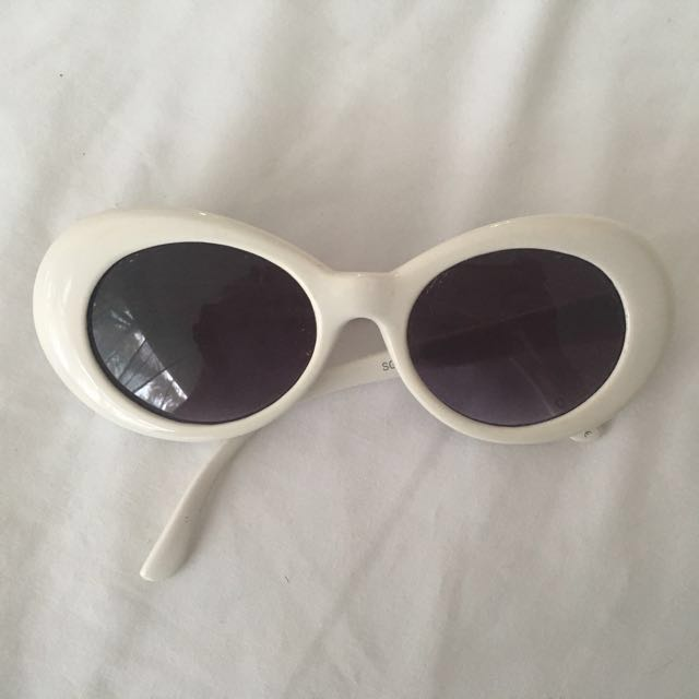 New vintage white sunglasses