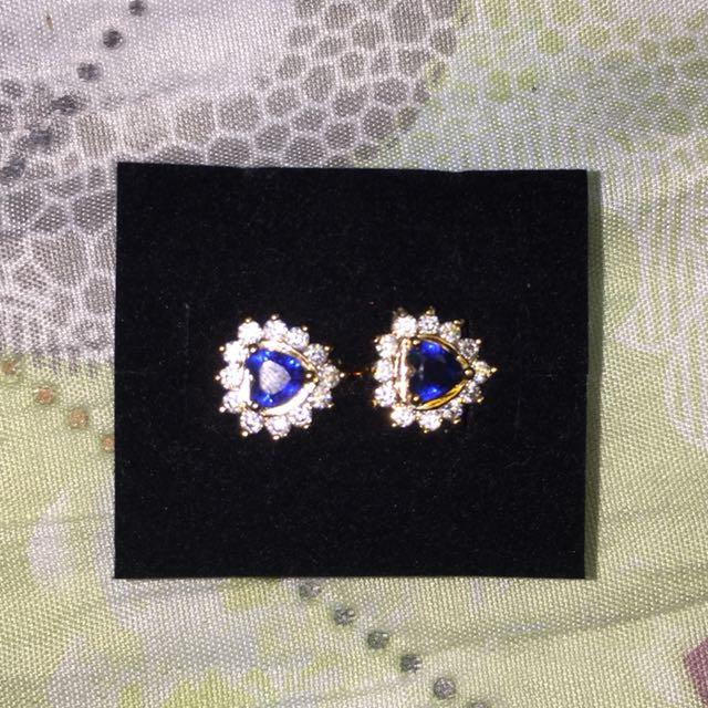 Non-tarnish 10k Gold Blue Heart Sapphire Earring