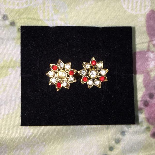 Non-tarnish 10K Gold Red and White Flower Earring