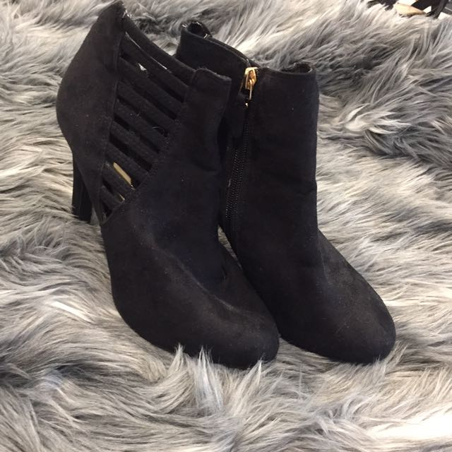 NOVO BLACK ANKLE BOOTS