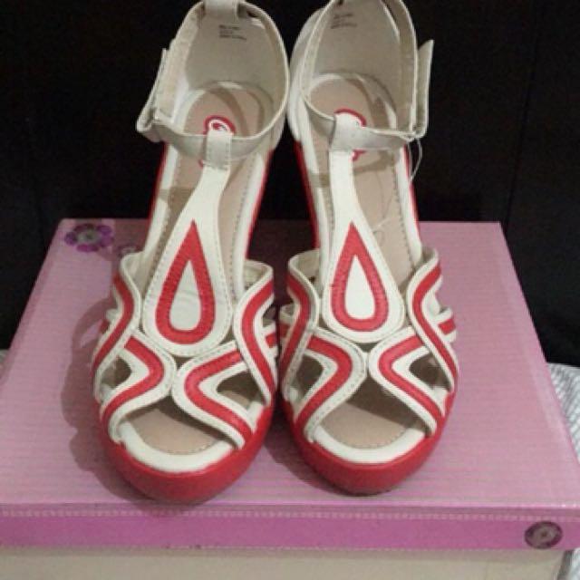 Ollie Sandals