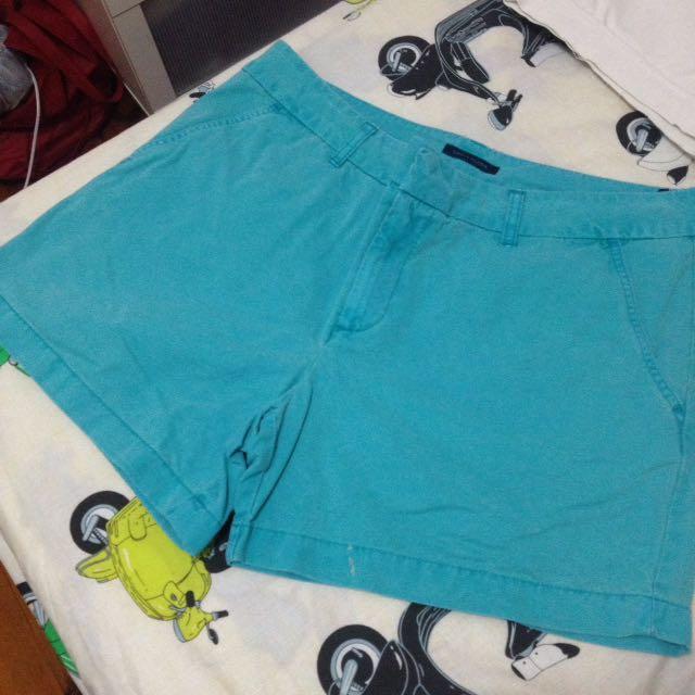 Original Tommy Hilfiger Shorts Size12