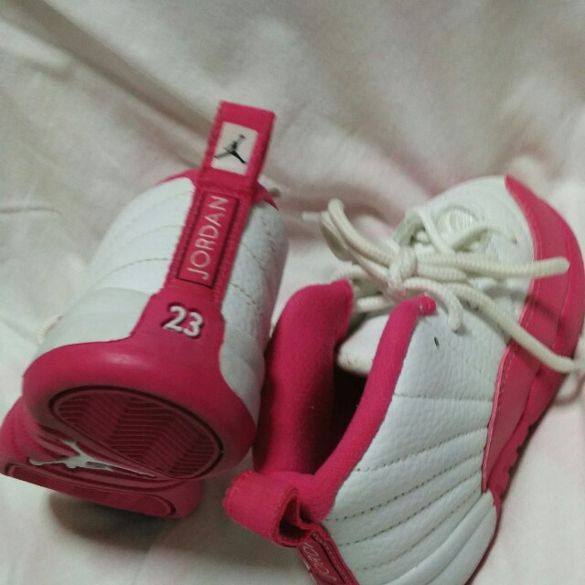 pink JORDAN12 (used twice only good as new)