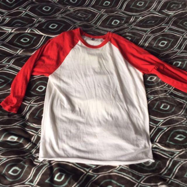 Red andwhite baseball tee 3/4 sleeve