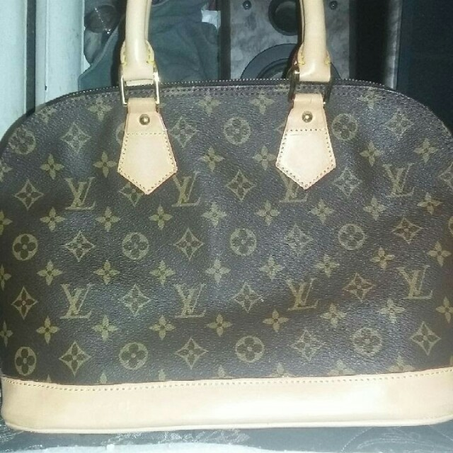 *REDUCED* *LOUIS VOUITION HANDBAG *  *PLEASE READ FULL DESCRIPTION *