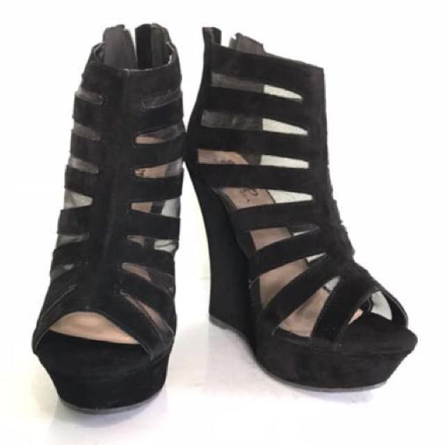 Roman boots black suede wedge