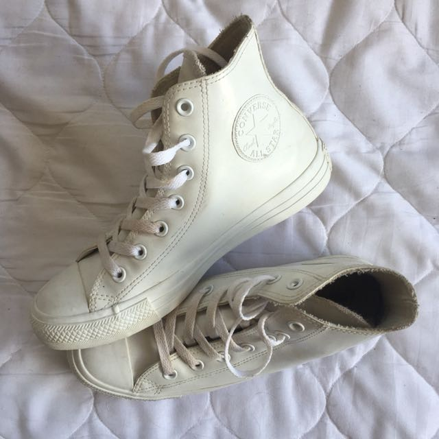 Rubber white converse