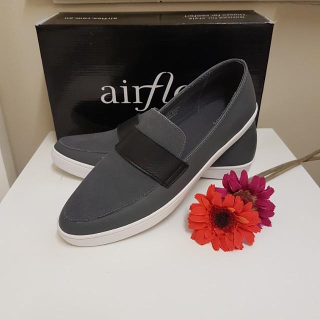 SALE new airflex shoes size 9