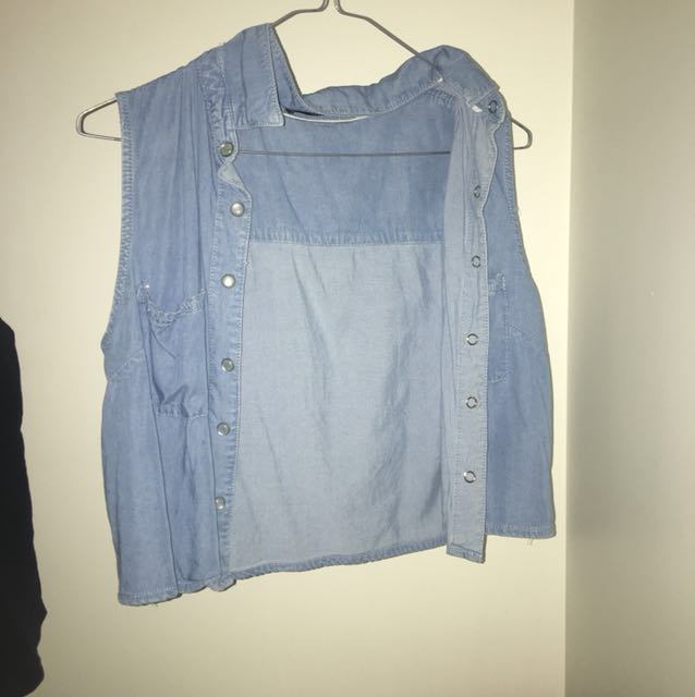 Sleeveless denim button up