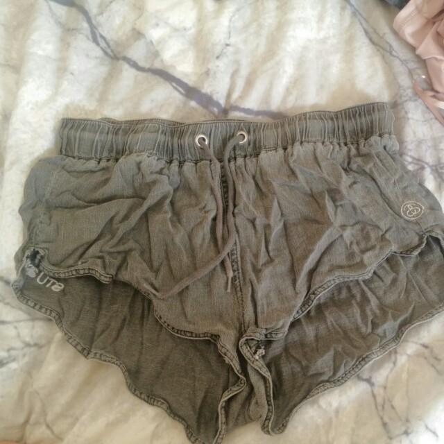 Stussy draw string shorts
