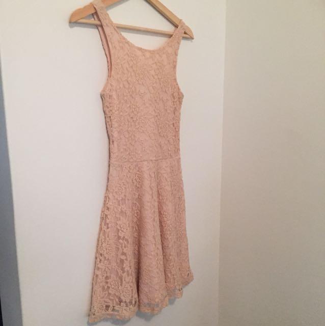 Sz 8 blush pink lace dress .. miss shop brand