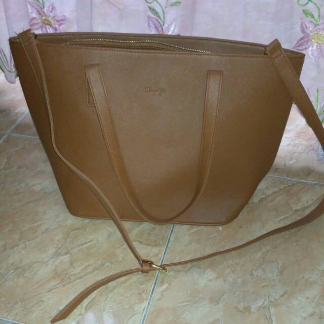 Tas mayoutfit coklat