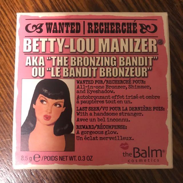 TheBalm - Betty Lou Manizer