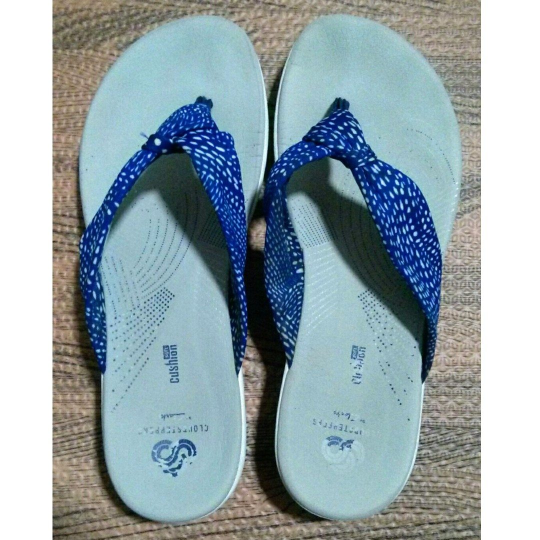 33ef8657177 Used good condition Clarks cloudsteppers cloud steppers sandals flip ...