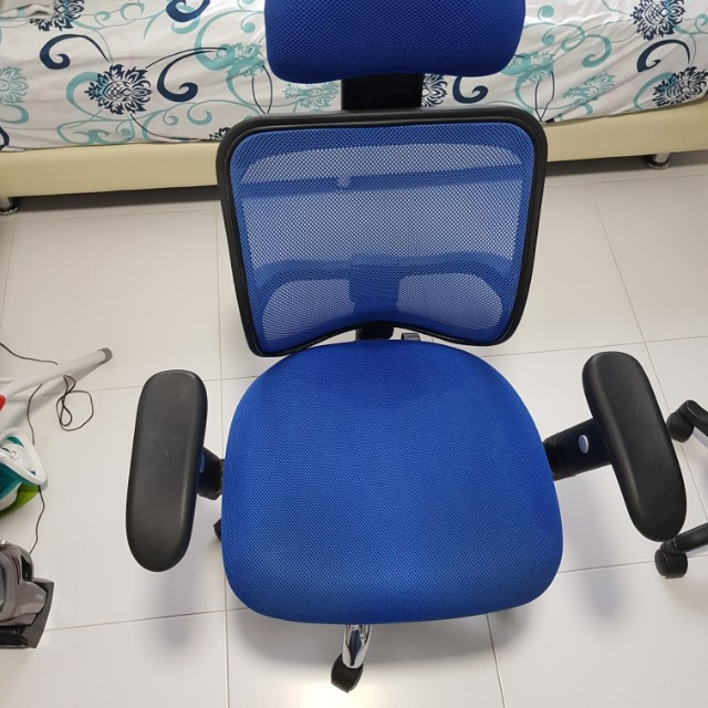 used office chair furniture tables chairs on carousell rh sg carousell com Recliners On Sale Used Office Furniture Chair