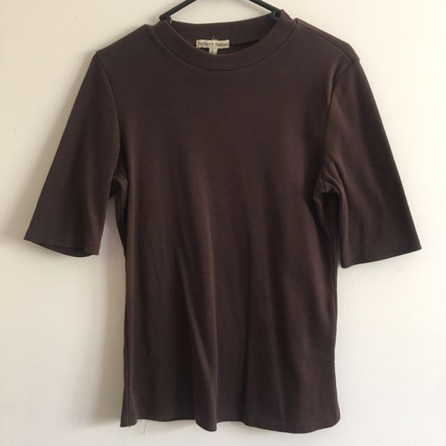 Very flattering brown knit T
