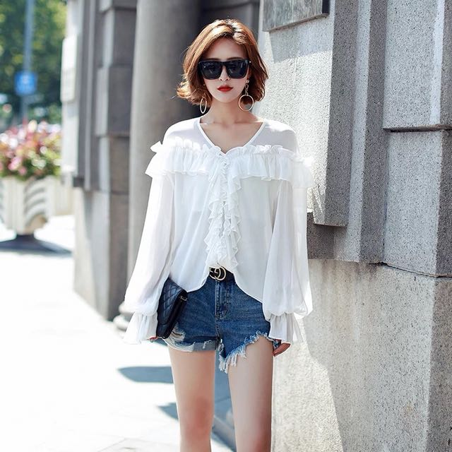White summer thin top