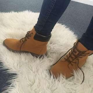 Tan boot size 7