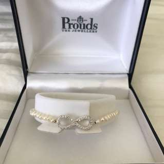NEW Prouds infinity bracelet with pearls