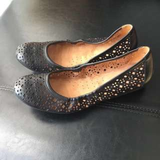 Naturalizer Black Flat shoes