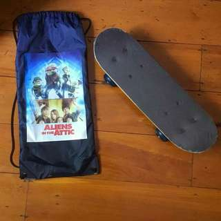 Kids children's skateboard -Aliens in the Attic
