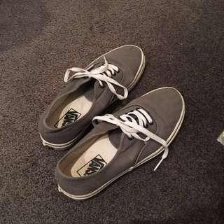 Grey Lowcut Vans (womens 9.5)
