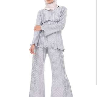 1 set pleated top & pants