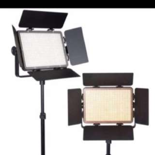 2 x 600 led Light withcarry bag , remote , power adapter