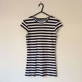 Black and white stripes robbed top size S (8-10)