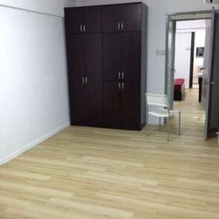 Jurong East master bedroom for rent