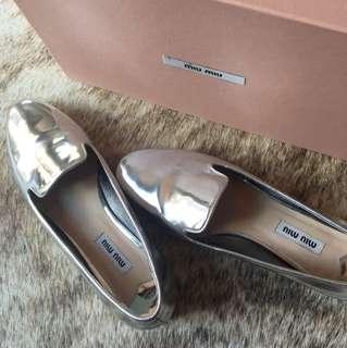 MiuMiu metallic silver flats size 36